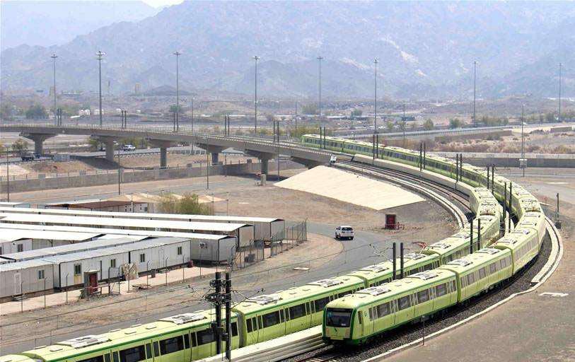 中国铁建承建我国藏区最高公路桥合龙