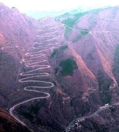 揭秘全球十大最危险公路 (9)--中国央企新闻网